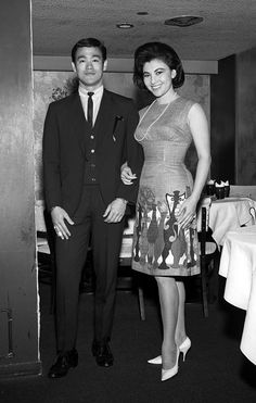 Bruce Lee and Hong Kong starlet Diana Cha, I believe he was found dead at her place. - Bruce Lee and Hong Kong starlet Diana Cha, I believe he was found dead at her place. Bruce Lee Art, Bruce Lee Martial Arts, Artiste Martial, Martial Artist, Brandon Lee, Eminem, Bruce Lee Pictures, Bruce Lee Family, Jeet Kune Do