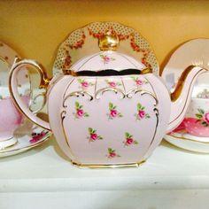 Rare Sadler Pink Vintage Teapot, Rosebuds & Gold Gilt Trim. Square / Cube Shape.