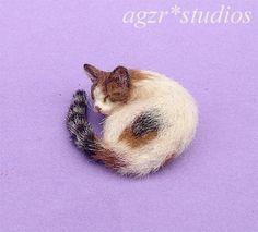OOAK 1 12 Dollhouse Miniature Cat Bed Kitten Furred Kitty Handmade Realistic   eBay