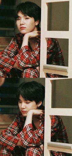 OMO HES SO CUTEEEE SOMEONE HELPPP❤️❤️❤️||BTS SUGA