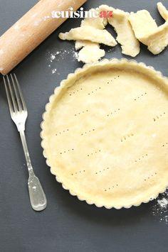 Une recette de pâte brisée sans gluten prête en 10 minutes. #recette#cuisine#patebrisee #sansgluten#patisserie Camembert Cheese, Quiches, Pasta, Cakes, Food, Gram Flour, Fruit Tart, Rice Flour, Drizzle Cake