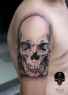 Skull and roses by Igor Pereira - Brazil  @artofigor artofigor.tumblr.com