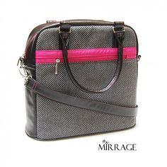 mirrage / La strada XXXVII. metropolis Model, Bags, Fashion, Italia, Handbags, Moda, Fashion Styles, Scale Model