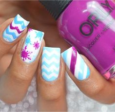 Create a classic chevron manicure with our easy-to-use Chevron Nail Vinyls. Achieve perfect zigzags and be as creative as you want with these traditional nail vinyls! Outsides included can be used as Chevron Manicure, Chevron Nail Art, White Nail Designs, Toe Nail Designs, Pastel Blue, Purple, Day And Mood, Pastel Nails, Nail Trends