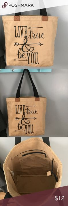 Thirty one tote Thirty one zip tote bag with inside zip pocket. thirty one Bags Totes