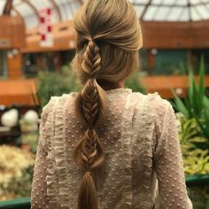 """Acquire terrific pointers on """"wedding hairstyles updo"""". They are available for you on our site. Top Hairstyles, Pretty Hairstyles, Braided Hairstyles, Wedding Hairstyles, Crazy Hairstyles, Hairstyle Braid, Bridal Braids, Bridal Hair, Hair Wedding"""