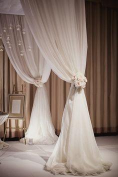 Modern Chicago Wedding at The Standard Club - MODwedding