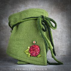 Today, I have a gorgeous medallion Rose to show you! Created by well-known embroiderer and teacher. Kristina Nilsson