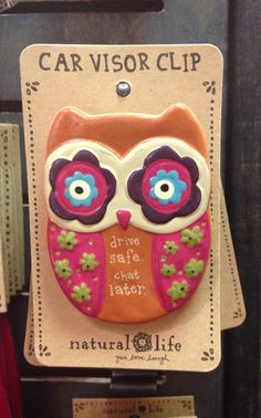 This trendy owl car visor clip bares a reminder not to text and drive! This makes a perfect gift for new drivers as well as a parting gift for college kids.