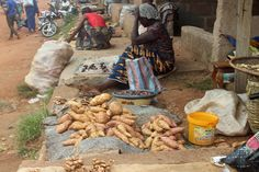 Street Market in Ochubi | Okpoma LGA Cross River State Nigeria | #JujuFilms #Ochubi #Okpoma #CrossRiver #StreetMarket #Nigeria #Africa #Potatoes