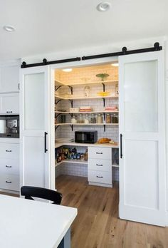 Kitchen pantry is one of those rooms that can help you maintain cleanness and organization of your house. We've gathered cool pantry design ideas for you. Kitchen Pantry Design, Home Decor Kitchen, New Kitchen, Home Kitchens, Kitchen Pantries, Farmhouse Kitchens, Awesome Kitchen, Kitchen Small, Small Kitchens