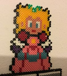 Perle hama en forme de princesse peach Mario, Etsy, Vintage, Hama Beads, Handmade Gifts, Unique Jewelry, Princess, Fit, Primitive