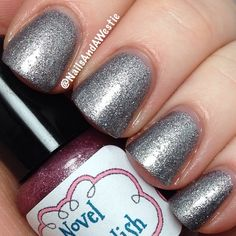Novel Nail Polish 'Daggers In The Dark'. 2 coats, with topcoat. Thermal that goes from a mauve foil when cold, to a silver foil when warm. #nails #nailpolish #indiepolish #novelnailpolish #thermalpolish