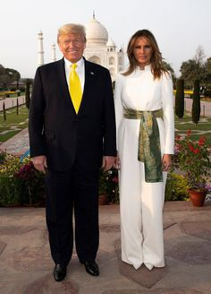 First Lady Melania Trump made an appearance in a Delpozo midi dress on Sunday, August 20 — see more of her most stylish looks here Donald And Melania Trump, First Lady Melania Trump, Donald Trump, Trump Melania, Milania Trump Style, First Lady Of America, Trump Is My President, Ankara Gown Styles, Standing Poses
