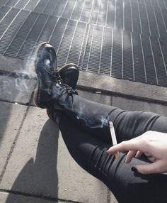 smoke, cigarette, and grunge image Grunge Tattoo, Space Cowboy, Francoise Gilot, Rauch Fotografie, Cigarette Aesthetic, Wow Photo, Smoke Photography, Grunge Photography, Smoking Kills
