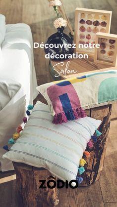 Découvrez notre sélection de produits pour décorer votre salon avec notre nouvelle collection Printemps 2021 ! #decoration #decolover #decoaddict Range Magazine, Deco Addict, Bed Pillows, Pillow Cases, Decoration, Home, Ash Grey, Raw Wood, Net Shopping