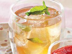 Orange Ginger Sparkler http://www.prevention.com/food/cook/tea-cocktails-12-drink-recipes/slide/11