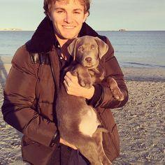 Nico Rosberg és kutyusa, Bailey  #kutya #dog #rosberg #bailey #cute #puppy #kutyabaráthelyek