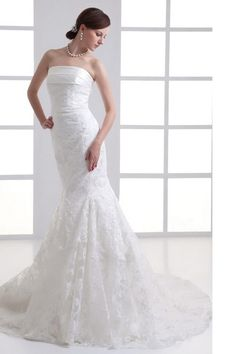 Wedding Dresses online shop offers Mermaid Strapless Court Train Wedding Dress with Zipper Up features strapless neckline mermaid/trumpet in white color, lace dress with back and court train train for beach/destination garden / outdoor church . Wedding Dress Cake, Wedding Dresses 2014, Designer Wedding Dresses, Wedding Gowns, Party Dresses, Wedding Cakes, Mermaid Trumpet Wedding Dresses, Chapel Train, Ivoire