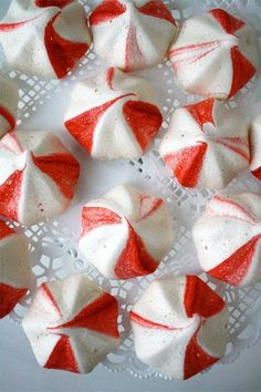Jump to Recipe Print RecipePeppermint meringue cookies make a beautiful {and yummy} addition to your holiday parties or wrap them up pretty for a much loved homemade gift! They are crunchy, minty and sweet! Peppermint Meringues These cookies couldn'