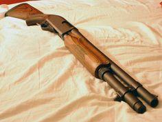 Remington 870. Classic Americana - http://www.rgrips.com/en/article/74-bersa-mini-thunder-22-32-380