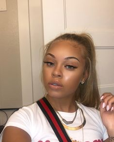 brown black queens girl with blonde hair Black Girls Hairstyles, Cute Hairstyles, Swagg Girl, Curly Hair Styles, Natural Hair Styles, Pinterest Hair, Flawless Makeup, Hair Care Tips, Pretty Face