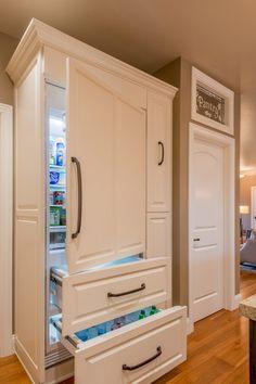 Dream Home Design, Home Office Design, My Dream Home, Home Interior Design, House Design, Small Condo Decorating, Fridge Decor, Built In Refrigerator, Shabby Chic Kitchen