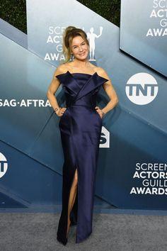 Nejkrásnější róby na SAG Awards Jennifer Aniston, Jennifer Garner, Jennifer Lopez, Rachel Brosnahan, Renee Zellweger, Reese Witherspoon, Millie Bobby Brown, Nicole Kidman, Vestidos Color Durazno