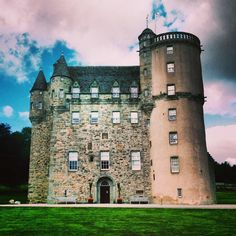 livesunique: Castle Fraser in Aberdeenshire,... - STONE, WOOD AND TIME