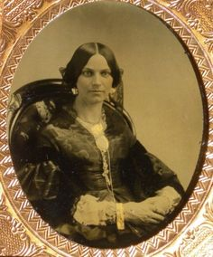 Ambrotype-Well-Dressed-Young-Lady