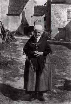 "GertrudeKäsebier. La Grand-Mère; ""Waiting for the Procession"" 1894-95"