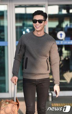 Пак Со Джун 박서준 Park Seo Joon День рождения: 16.12.1988 Актёр, модель, певец. Рост: 186 см