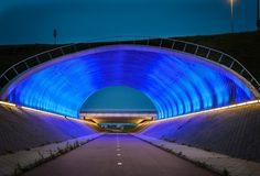 Modern-cycling-tunnel-Rotterdam