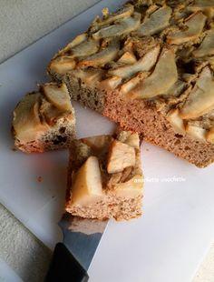 Care amichette cuochette, questa ricetta è una mia invenzione. Con alcuni ingredienti che avevo in casa ho preparato questa torta rustica adatta per la pri