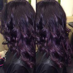 S gorgeous dark violet to deep plum hair hair and beauty идеи для волос Deep Purple Hair, Hair Color Purple, Dark Hair, Dark Purple, Dark Violet Hair, Color Red, Brown Hair, Violet Hair Colors, Plum Black Hair