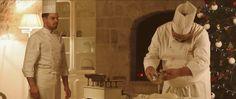 Se avete voglia di respirare in anteprima l'atmosfera natalizia, guardate il nuovo spot di Dolceria Sapone. D'altronde, manca solo un mese al Natale! Lo spot natalizio di Dolceria Sapone, pasticceria situata in Acquaviva delle Fonti, è stato ideato per puntare sull'alta qualità di un prodotto artigianale creato con ingredienti sani e genuini. Il concept di quest'anno vedrà il patron dell'omonima pasticceria mentre prepara un panettone per u…