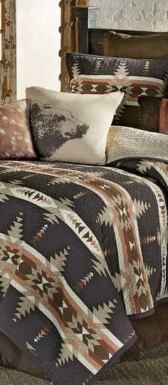 Durango Canyon Quilt - Canadian Log Homes - Durango Canyon Quilt - Canadian Log Homes With intricate geometric patterns in bold neutrals, this reversible cotton bedding creates the perfect lodge look. Western Bedrooms, Big Bedrooms, Western Bedding Sets, Rustic Bedrooms, Southwest Style, Southwest Decor, Barndominium, Lodge Bedroom, Log Cabin Furniture