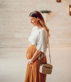 See some trendy maternity style inspirations. Winter Maternity Outfits, Stylish Maternity, Maternity Wear, Maternity Dresses, Maternity Fashion, Maternity Styles, Maternity Looks, Modern Maternity Clothes, Stylish Pregnancy