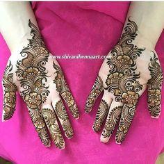 @shivanihennaart  #henna #mehndi #whitehenna #wakeupandmakeup #zentangle #boho #monakattan #flowers #hennadesign #tattoo #girlyhenna #art #inspo #hennainspo #hennaart #photooftheday #hennaartist #hennatattoo #naturalhenna #bridalhenna #7enna #doodle #mandala #beauty #love #feather #indianbride  #bodyart #mehandi #mehendi