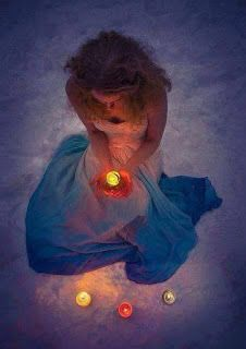 Candles can soothe, relax, send healing & hope. The power of candlelight is amazing and this should be learnt before performing candle magic. Wiccan, Magick, Witchcraft, Photo Candles, Portrait, Color Splash, Color Pop, Cool Pictures, Lights