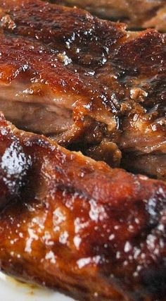 Maple Brown Sugar BBQ Ribs Sweet and tangy maple brown sugar barbecue sauce on slow cooked ribs. Bbq Ribs, Bbq Pork, Pork Rib Marinade, Bbq Spare Ribs, Smoked Pork Ribs, Pork Steaks, Barbecue Chicken, Grilling Recipes, Pork Recipes
