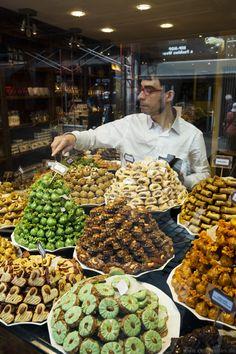 Chocolatier in #Brüssel - Wer kann schon diesen Köstlichkeiten widerstehen? Mehr dazu in meinem City Guide über die belgische Hauptstadt. #Brussels #Belgien #Belgium