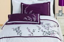 Modern Hotel Style Black White Purple Embroidered Pattern 100 percent Egyptian Cotton Frame Duvet Comforter Cover and Shams Set. Bedding set is made of 300 thread count egyptian cotton for softness and elegance. Luxury 5 stars hotel look bedding. Queen Comforter Sets, Duvet Sets, Duvet Cover Sets, King Duvet, Queen Duvet, Purple Bedding Sets, Luxury Bedding Sets, Modern Bedding, White Bedding