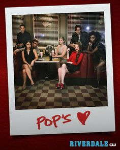 Who's it fave person on riverdale mine is archie and veronica ! Riverdale Netflix, Bughead Riverdale, Riverdale Funny, Riverdale Memes, Riverdale Tv Show, Riverdale Cheryl, Riverdale Archie And Veronica, Riverdale Tumblr, Riverdale Poster