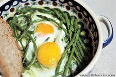 Zuppa di asparagi selvatici con uova piatto lucano semplice e veloce da realizzare, ottimo per chi soffre di ritensione idrica e stitichezza. My Recipes, Ramen, Good Food, Cooking, Breakfast, Healthy, Ethnic Recipes, Yogurt, Foodies