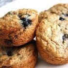 Recette - Muffins faibles en gras, aux bleuets et au son - Allrecipes.qc.ca