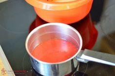 Erdbeer-Ganache, Schritt 4 Erdbeerpüree aufkochen.