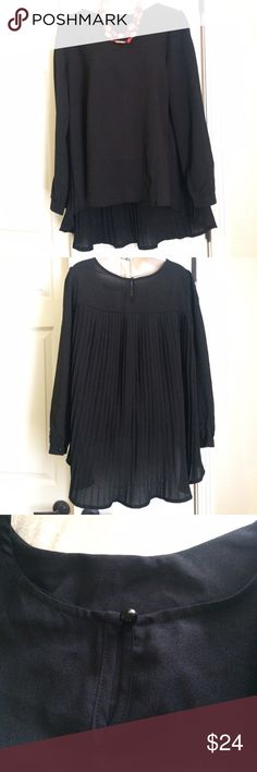 """BLACK PLEATED BLOUSE This blouse was so gorgeous I had one special ordered when they sold out. Unfortunately it is not a good fit for me. At 5'1"""" and not thin, I think it just made me look like a carnival tent. It's not the blouse though- it's my frame. I only wore it once. It's perfect and pretty but I will not be wearing it again.  Thanks for looking and i also have a bundle discount! ZANZEA Tops"""