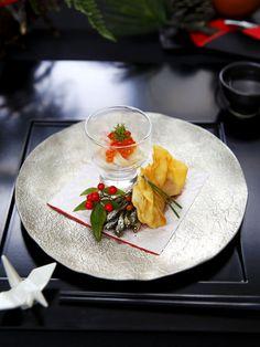 大人気料理家、宮澤奈々さんから、年末で忙しい人にも初心者でも1日であっという間に作れる、センスがよくて簡単なおせち料理の提案をうかがった。定番の食材が驚きのおもてなし料理に変わる技は目からウロコ! 手間暇かけずに、「料理上手になった?」といわせちゃう、おもてなしのおせち料理、決定版をご紹介!