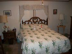 Large Master bedroom 1991 Marlette Mobile / Manufactured Home in Mesa, AZ via MHVillage.com